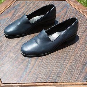 Nine West Black Loafers Size 6.5